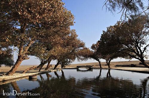 استخر کاروانسرای مرنجاب