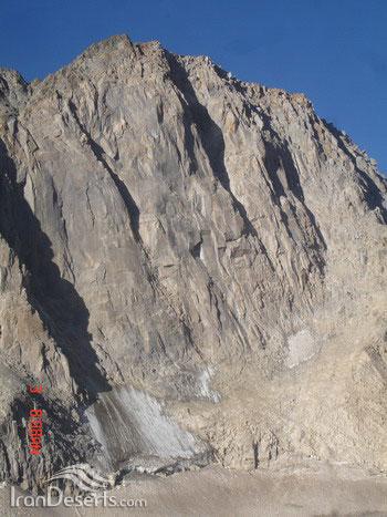دیواره شمالی علم کوه