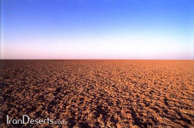 زمینهای رسی پف کرده ،کویر مرکزی