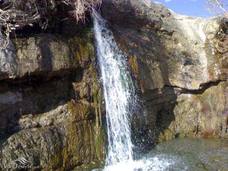 آبشار کنده گاو (گنده آب)، نهبندان، عکس از ایمان نخعی