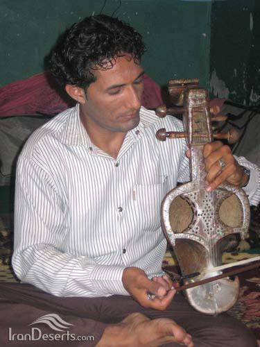 ساز چنگ کرمانی