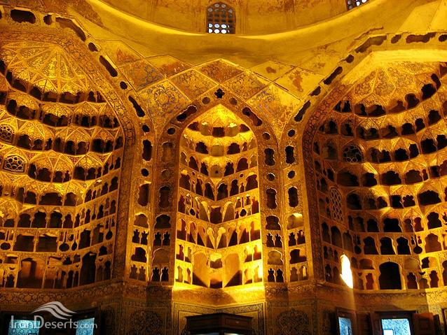 مقرنس کاری، عمارت عالی قاپو، اصفهان