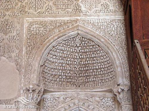 گچ بری محراب مسجد جامع نایین