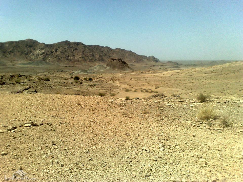 معدن آهن در اطراف چشمه ی آب معدنی میشودی، عکس از آقای عظیم اسماعیلی کیا