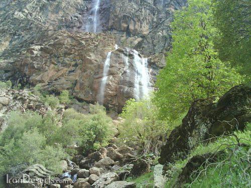 آبشار،تاف،روستا،الیگودرز،پیرامام،عکس،تصویر،دیدنیها،گردشگری،توریستی