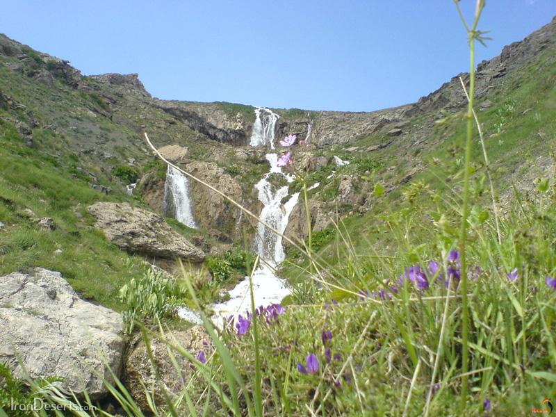 آبشار قو، دشت لار