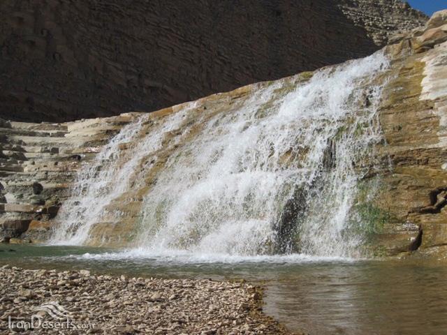 آبشار (طاف) دارولی نخست