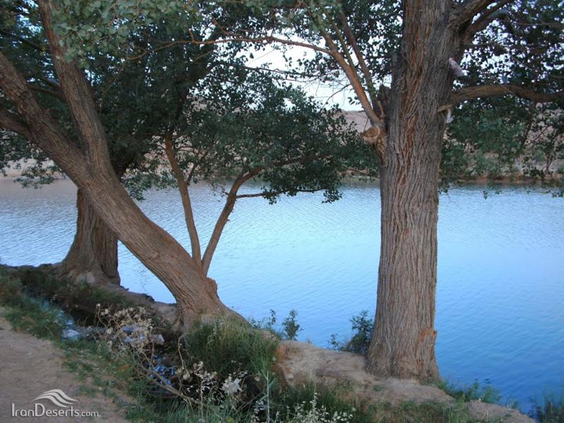 درياچه چشمه غربالبيز