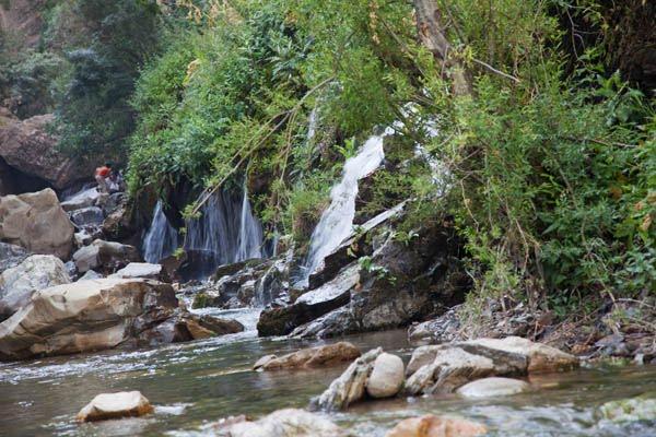 آبشار هفت چشمه در مسیر آبشار آدران (ارنگه)، جاده چالوس