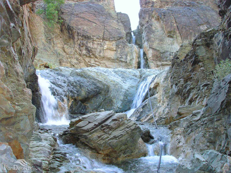 آبشار پالیزوک، سراوان