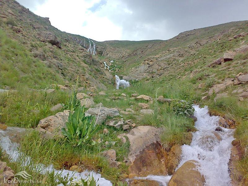 آبشار قو (سفید آب)، دشت لار