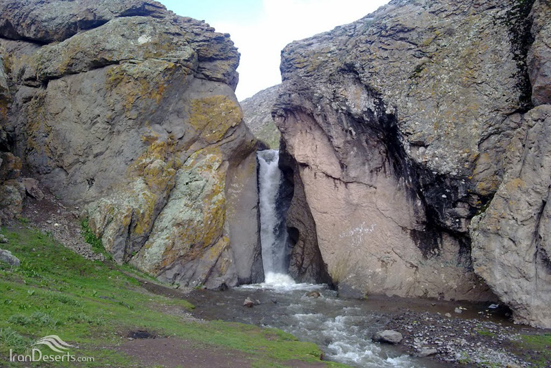 آبشار شیران، هریس