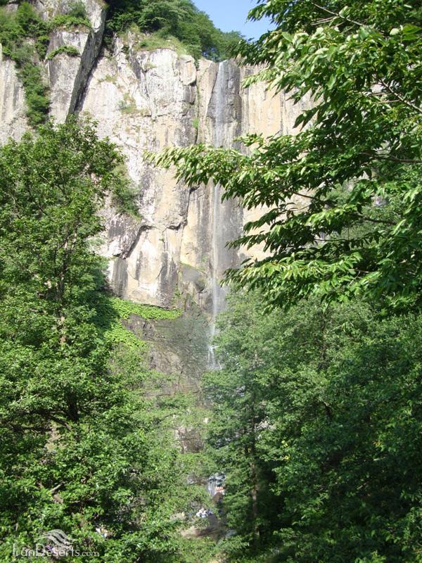 آبشار لاتون (بارزاو)، آستارا