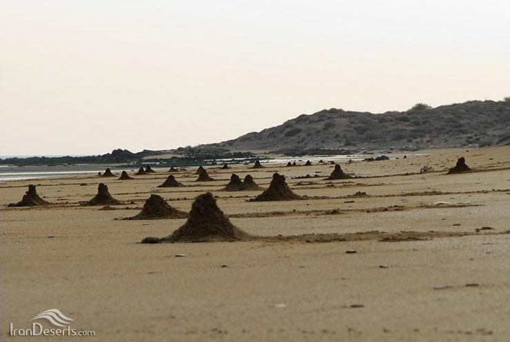 ساحل گنبد نمکی قشم (نمکدان)
