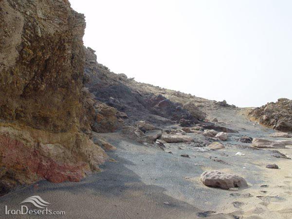 گنبد نمکی جزیره فرور