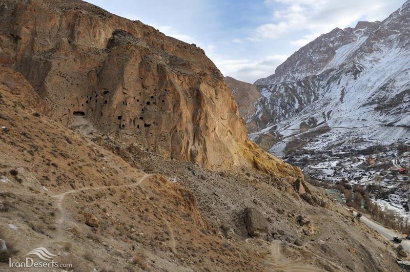 غار سنگی کافرکلی، لاریجان
