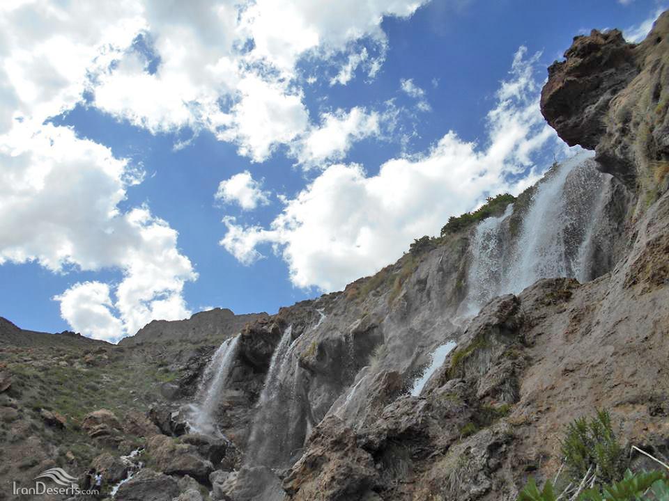 آبشار قو (سفید آب)، دشت لار، عکس از علی موسوی